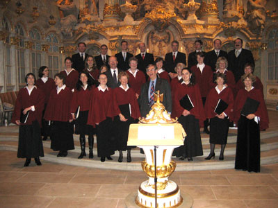 The Embassy Singers in the Frauenkirche with composer Colin Mawby, 9 December 2007
